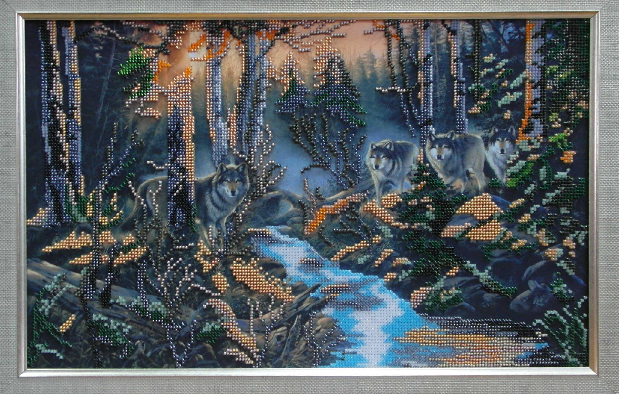 волки в лесу в технике алмазной вышивки