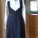 Приталенный сарафан – удобная униформа для студенток!