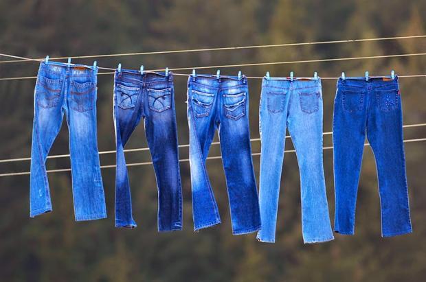 You are currently viewing Грязное дело-нужно ли стирать джинсы?