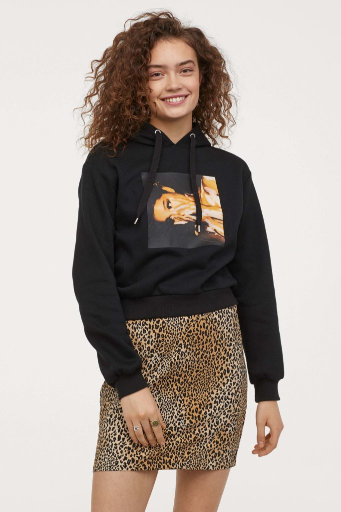 короткое худи фото взято на сайте H&M