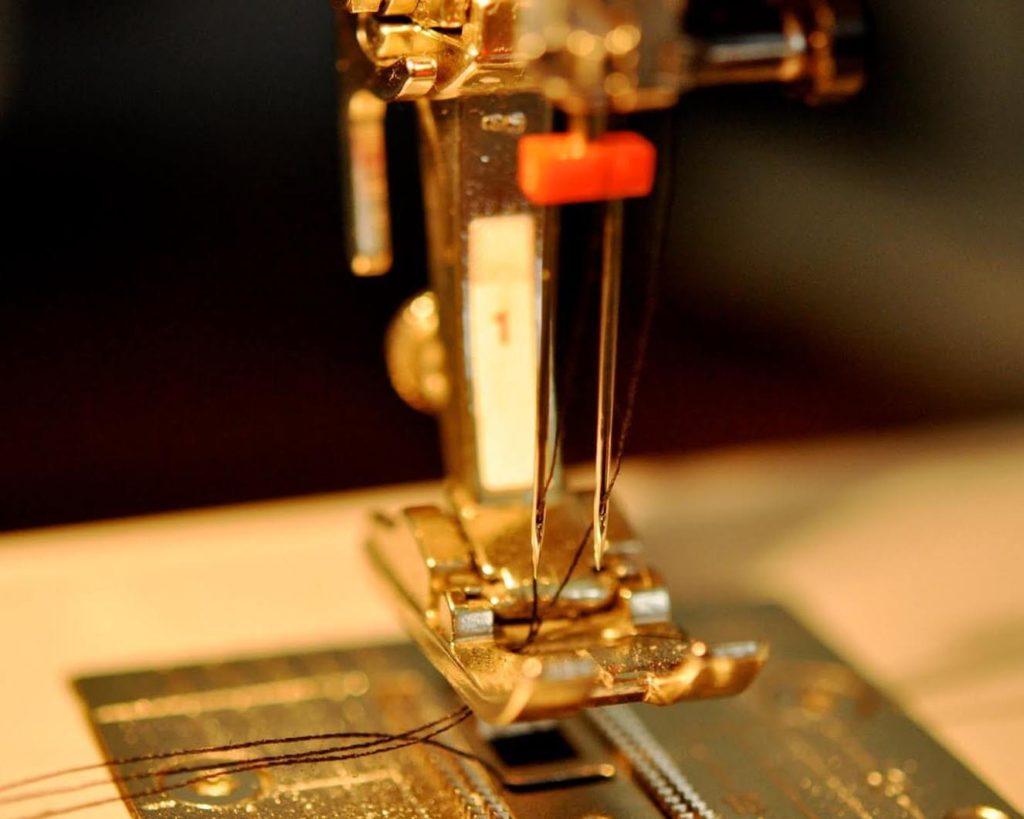 Двойная игла в швейной машинке