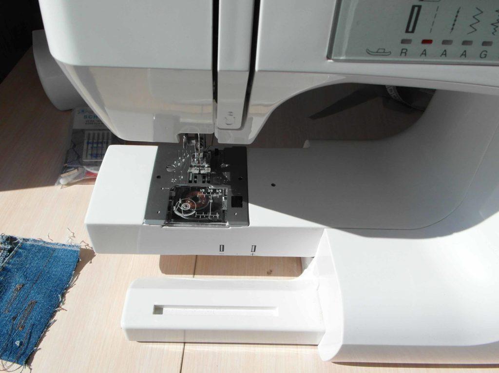 Рукавная платформа на швейной машинке
