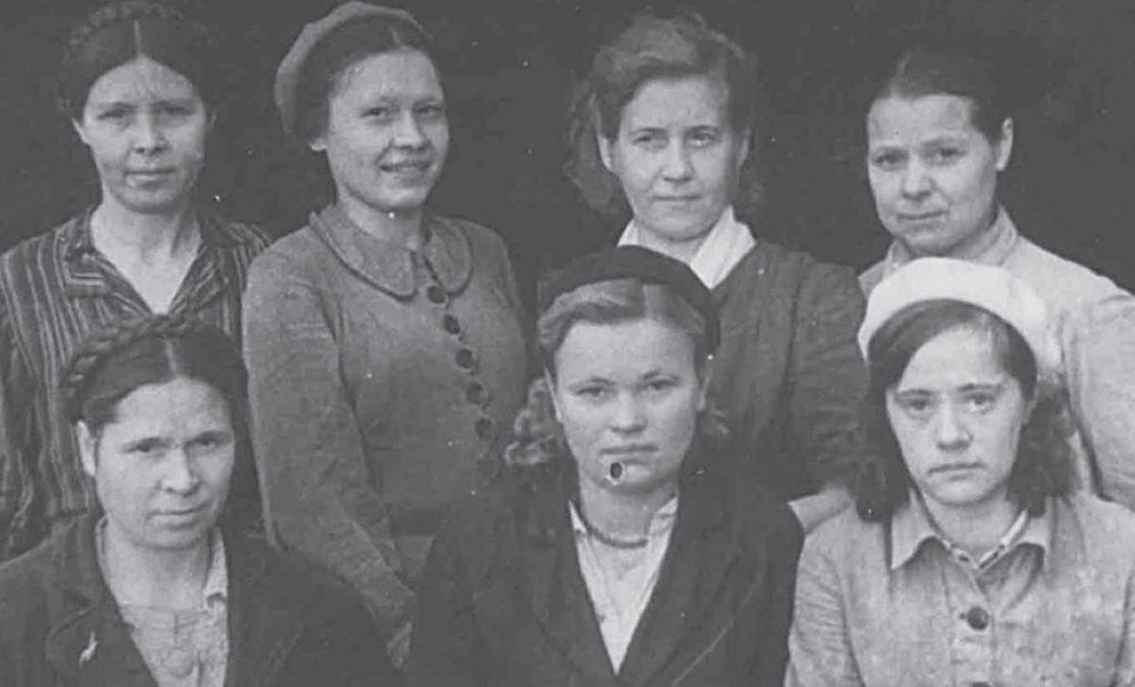 Молодежная бригада Толстопятовой Сарапульской фабрики
